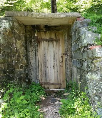 """Lost"" like door encountered off Skyland Drive"